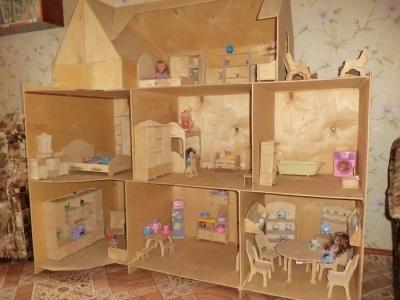 Фанерный домик для кукол