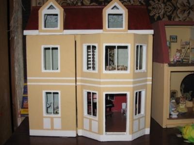 Кукольный домик из фанерных панелей
