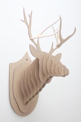 Фанерная трофея в виде головы оленя