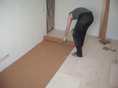 Фанерный настил на деревянном полу