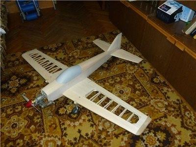 Игрушечный самолет из фанеры