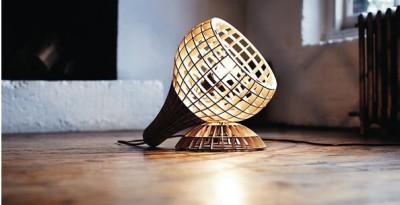 Настольный светильник из фанеры