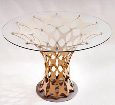 Стеклянный столик с основой из фанеры